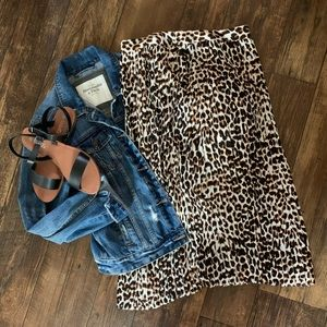 Express Leopard 🐆 Pleated Skirt Size 8 cheetah